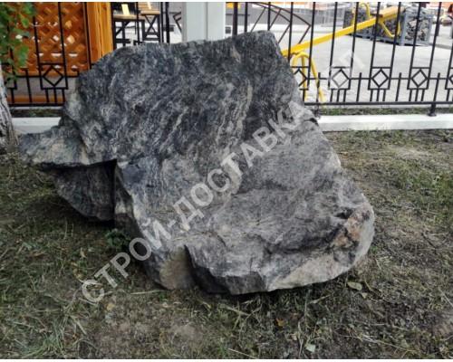 Камень «Молот»